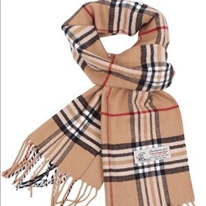 Accessories - Burberry lookalike scarf
